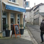 Cafe Portebleue, on a winter saturday
