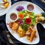 Combo Platter : Spring roll, krab rangoon, angel shrimp, calamari.