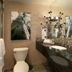 Luxury King Room Bathroom
