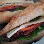 Le Cafe Gourmet - Le MARSEILLE. Roast beef, homemade mayonnaise, mozzarella, spinach and tomatoe