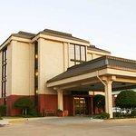 Photo of The Walnut Hotel Dallas I-35 North
