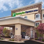 Photo of Holiday Inn Express Chicago-Libertyville