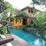 Amazing Swimming Pool Surrounding Views