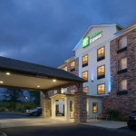 Photo of Holiday Inn Express Hotel and Suites Newport