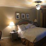 Standard king room.