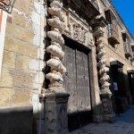 Portada del Palacio de Govantes y Herdara.