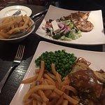 Foto de The Village Restaurant