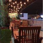 La terraza es ideal para cenar agusto con tu mascota