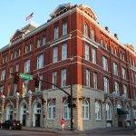 Photo de Hotel Indigo Savannah Historic District