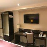 Photo of Premier Inn Slough Hotel