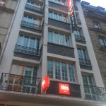 Photo de Ibis Paris Ornano Montmartre Nord 18ème