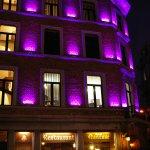 Vue de nuit en violet