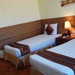 Photo de Hotel Yadanarbon