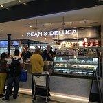 ภาพถ่ายของ Dean & DeLuca
