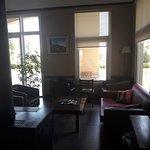 Muy lindo hotel. Alejado del centro... muy tranquilo, espacioso, mucho verde, excelente atención
