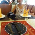 Plaque chauffante tournante au milieu de la table
