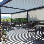 Terrasse restaurant du Chêne à Itxassou près d'Espelette