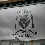 Foto de Coruja a Mesa