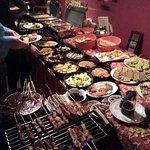 Geweldige ervaring om hier een Indonesisch buffet diner te nuttigen, eten wat mijn grootmoeder o