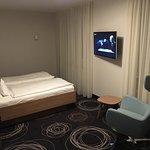 Komfortzimmer 406 im Hauptgebäude mit Bad. Wie gewohnt stylisch und modern. Groß(artig)