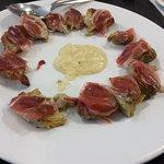 Corazones de alcachofa con jamón ibérico