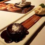 Petit gateau de chocolate e taça romeu e julieta