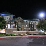 Photo de Holiday Inn Express Hotel & Suites Elk Grove East