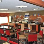 Photo of Holiday Inn Express Nashville W-I40 / Whitebridge Road