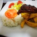 Disfruta de comida vegetariana y diversos tipos gastronómicos