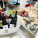 Bodega de vinos de proximidad y referencias de las principales DO.