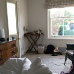 Beautiful, peaceful, warm room. Wonderful bath and lots of space...bliss !