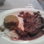 Très bonne Bavette sauce vin rouge parfaite..
