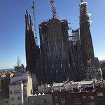 Vue de la terasse au plus près de la Sagrada Familia