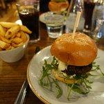 Mozarella & Pesto Burger