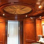 Carlotta Suite foyer