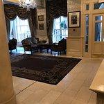 Foto van Buswells Hotel
