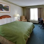 Country Inn & Suites by Radisson, Brockton (Boston), MA