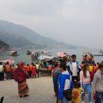 Photo de Phewa Tal (Fewa Lake)