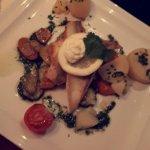 Fischauswahl mit Butter-Kartoffeln und Gemüse