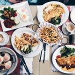 Стоимость завтрака на 4-ых — 147 лир (~2300 руб.)