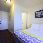 A cozy ensuite with an affordable price tag in the heart of Denver!