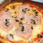 Toscana Due Italiensk Pizza Foto