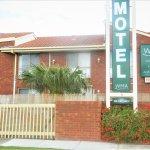 Werribee Motel & Apartments