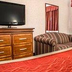 Photo of Comfort Inn and Suites Streetsboro