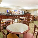Holiday Inn Express Hotel & Suites Garden City Foto