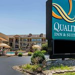 Photo of Quality Inn & Suites River Suites