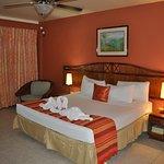 Photo de Tropikist Beach Hotel & Resort
