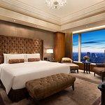 Shangri-La Suite (303797012)