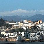 vista desde la habitacion, ademas de la catedral y de los jeronimos (aunque en esta no esten)