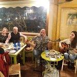 Photo de Tsipouradiko Santorinis